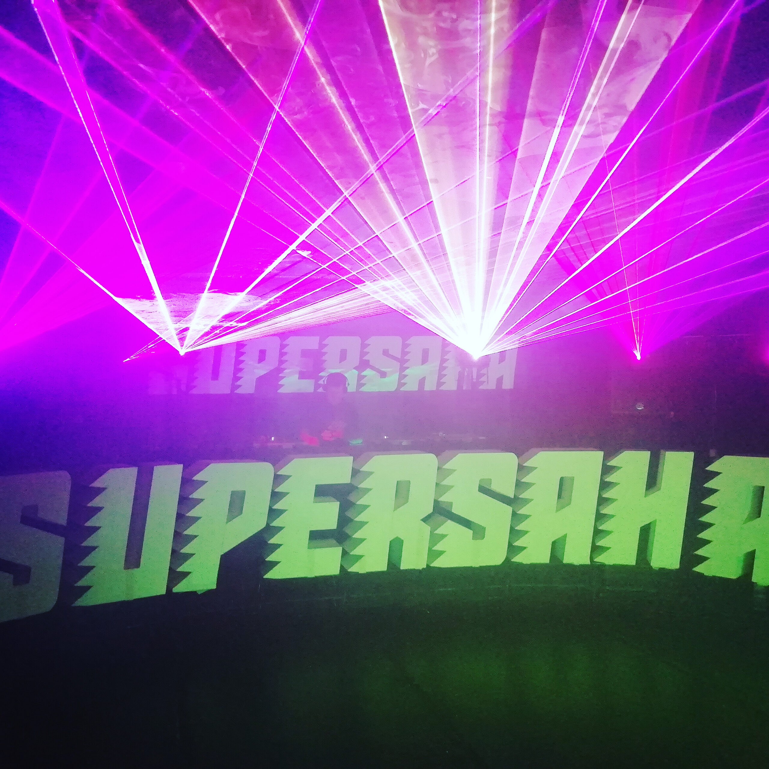 Y2K-trance + laser @ UG =